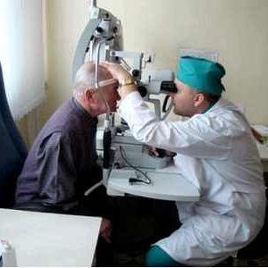 Оперативне лікування катаракти ока в саратові